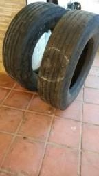 Vendo 2 pneus 275/80 usado por apenas 900,00
