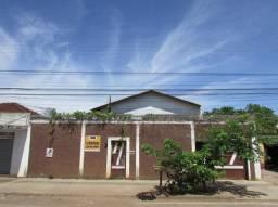 Casa sobrado com 4 quartos - Bairro Cidade Jardim em Goiânia