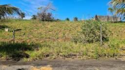 Terreno de 300m², no Loteamento Beira-mar, na Região de Meaípe. Terreno com pequeno aclive