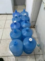 Galões d'agua