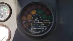 Rolo Compactador JCB VM115 PD