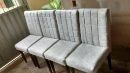 Cadeiras novas, madeira maciça. Higiene e segurança, preço unitário