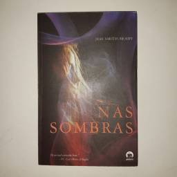 "Livro ""Nas sombras"""