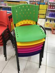 Cadeira Secretária de Polipropileno