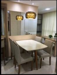 Mesa nova de madeira e acabamento Laka luxo