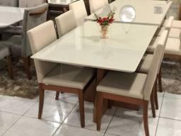 Mesa para 4 pessoas confortável pintura Laka e madeira