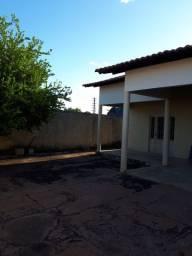 Casa para venda possui 200 m² com 4 quartos próximo a UFPI, Ininga - Teresina - PI