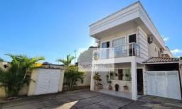 Linda casa 3 quartos com varanda gourmet, Jardim Marilea/ Rio das Ostras!