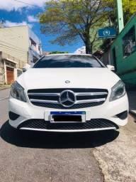 Título do anúncio: Mercedes A 200 2015