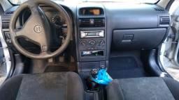 Carro Astra 1.8