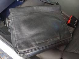 Bolsa Notebook Carteiro em couro Bennesh