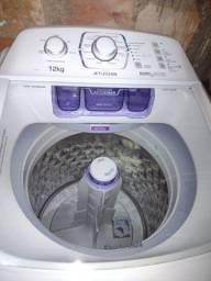 Título do anúncio: Máquina de lavar Eletrolux praticamente nova!