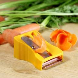 Título do anúncio: Apontador de vegetais ralador descascador de legumes frutas