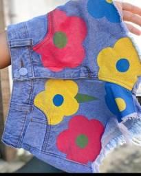 Short jeans flores pintura
