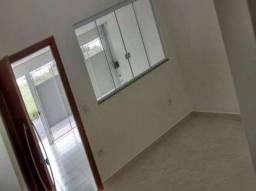 JA-Casa com 2/4 Localizada em Itapuã, Cozinha com Balcão Americano. Entrada R$ 10.000,00.