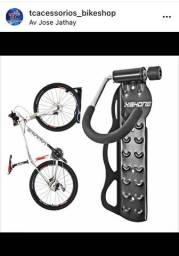 Suporte para colocar a bicicleta na parede