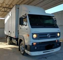 Caminhão 8160 Baú