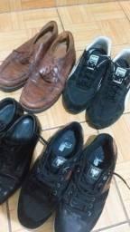 Título do anúncio: 4 pares de calçados  bons