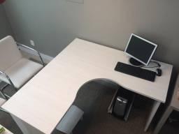 Mesa para escritorio de canto
