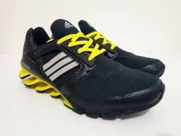 Tênis Adidas Springblade preto, novo, na caixa