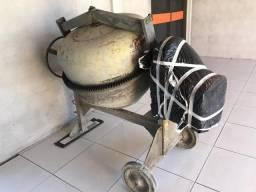 Vendo betoneira 400L monofásica seminova