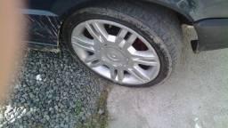 Aro 16 com pneus pra fiat