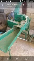 Ensilhadeira e triturador