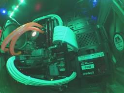 Computador gamer para sair logo