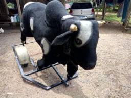 Vaca mecânica com carrinho de ferro