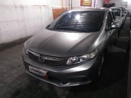 1. Honda Civic LXS 2013 - Automático - Aprovação facilitada