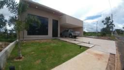 Casa Condominio Fechado, Alto Padrão com 04 Suítes, em Caldas Novas GO