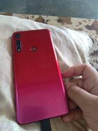 Moto G8 play 32gb, com carregador e fone