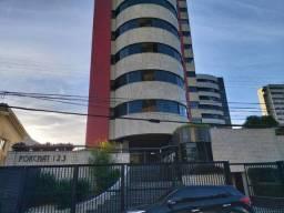 Alugo Apartamento no Edifício Porchat no Farol