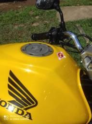 Hornet amarela baixo km