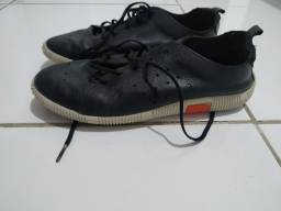 Sapatos menino 34