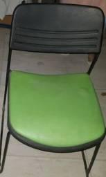Título do anúncio: cadeiras coloridas da loja le lis blanc