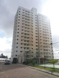 Alugo Apartamento no Condominio Alto Franceses / 53m² /