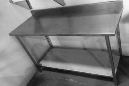 Mesa de aço inox lisa 1 prateleira