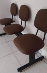 Título do anúncio: Cadeiras Espera Longarina Secretária 3 Lugares - Cor marrom