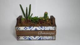 Caixote de pinus decorado