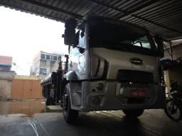 Caminhão Ford Cargo Munck