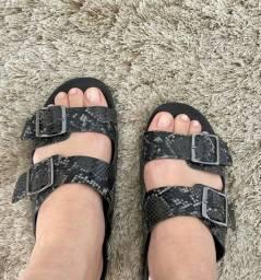 Título do anúncio: Sandália tamanho 37