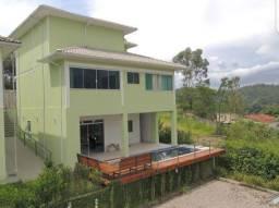 Linda casa nova no condomínio em Penedo, Itatiaia - RJ. Vista espetacular Com 3 quartos a