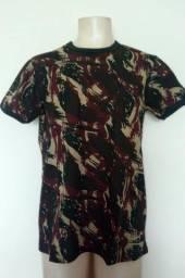 Camiseta camuflada do Exército Brasileiro em tecido cardado