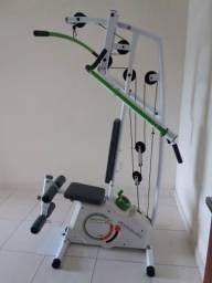 Estação residencial de musculação