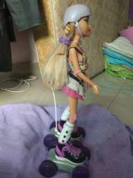Vendo boneca Barbie patinadora R$ 200,00