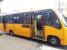 Vendo micro ônibus ano 2010
