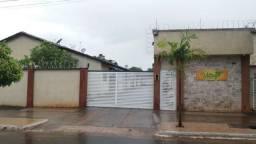 Casa 2 Quartos (suíte) em condomínio no Marques de Abreu