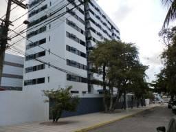 Apartamento com 2 quartos, equipamentos de lazer e segurança, próx. ao mar em Olinda