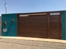 Casa térrea 2 vagas de garagem, quintal e armários planejados